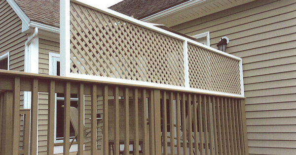 Adding a Lattice Privacy Screen to Existing Deck Railing-3